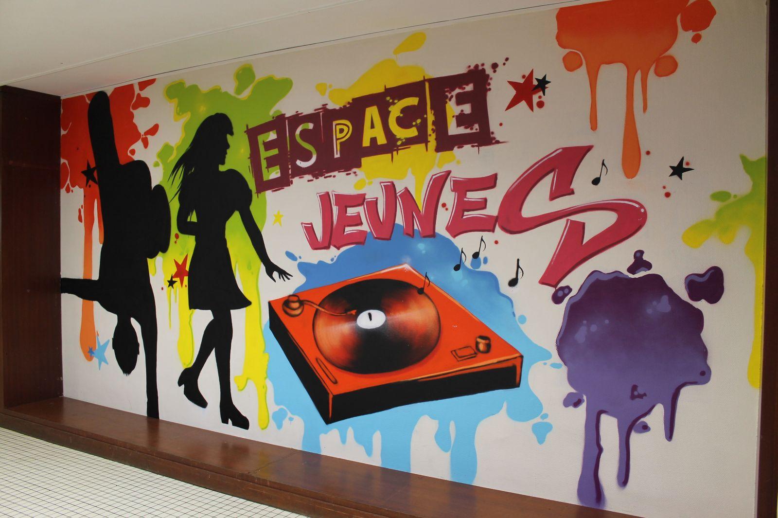 Maison de quartier une fresque l 39 espace jeune brest for Animateur maison de quartier